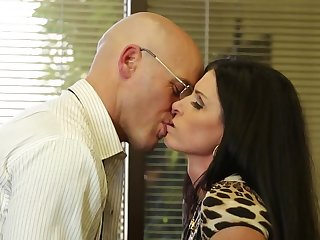 Fucking slutty India Summer in his office gets him off