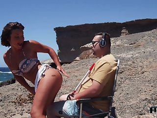 Sexy Alexis Cherry gets will not hear of pussy plowed by a guy at the run aground