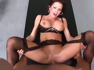 Fair-haired brunette UK MILF Veronica Avluv is sucking cock