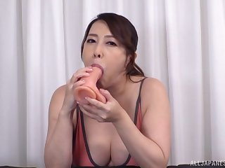 Japan mom shows really hot gift of sucking the dick