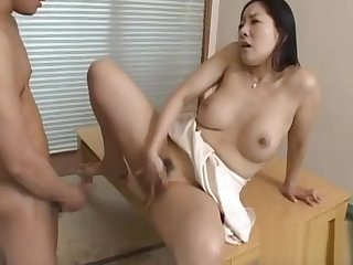 Sexy mature gives a nice facesitting and blowjob before fucking