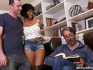 Slutty black hottie from Canada Jenna Foxx loves taking double abstruseness