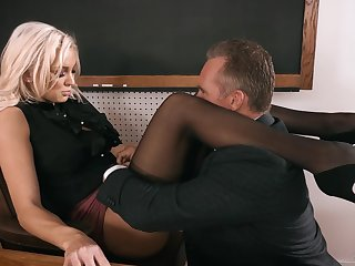 Strict looking prexy blonde tricky Kenzie Taylor lures dude to fuck mad