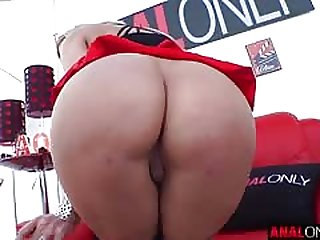 Sophia Deluxe blonde girl with a juicy ass is fucked